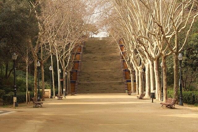 Käy romanttisella kävelyllä Barcelonassa